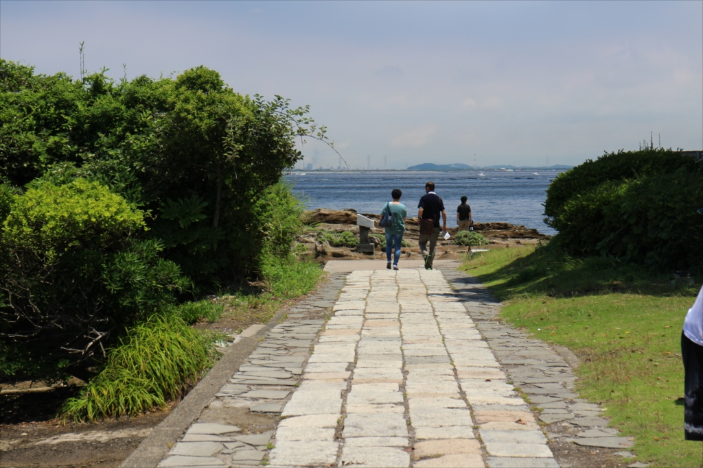 石畳の道を歩く_12