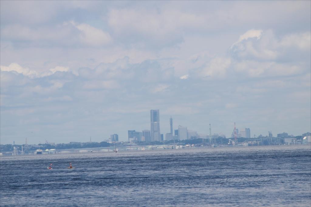 観音崎からでも横浜のMM21がはっきり見える