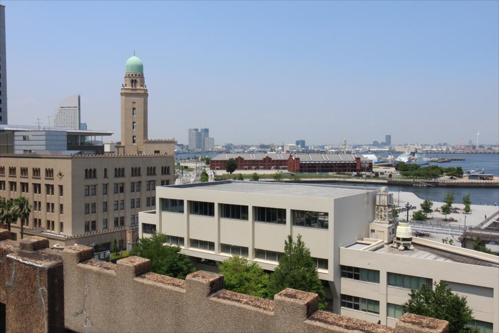 クイーンの塔(横浜税関)や赤レンガが_1