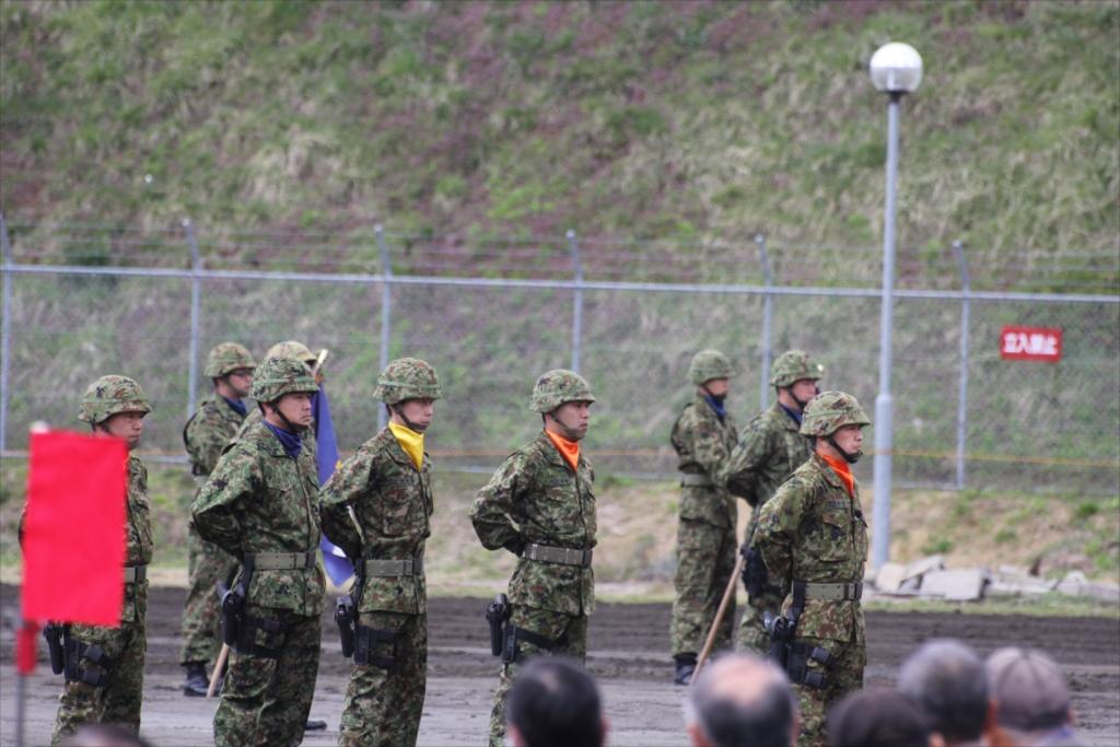 指揮官も含めて整列して、式典の準備体制が整った_1