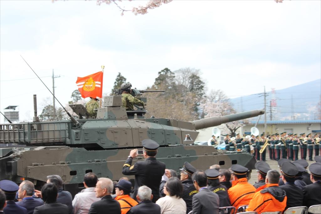 10式戦車_2