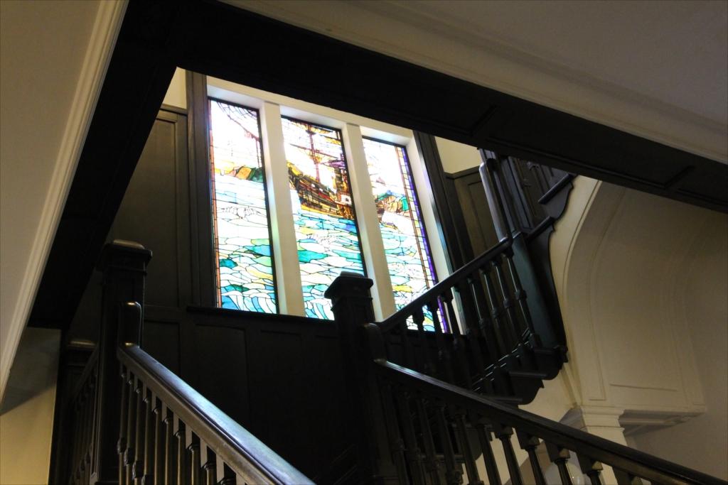 階下から見上げる_2
