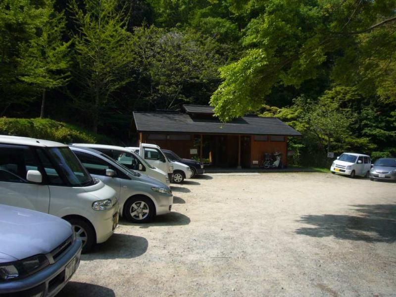 槙尾山駐車場