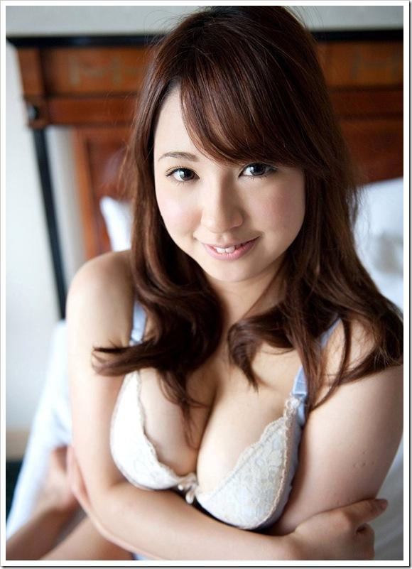 【葵ぶるま(女優)】お宝ヌード全裸でキス