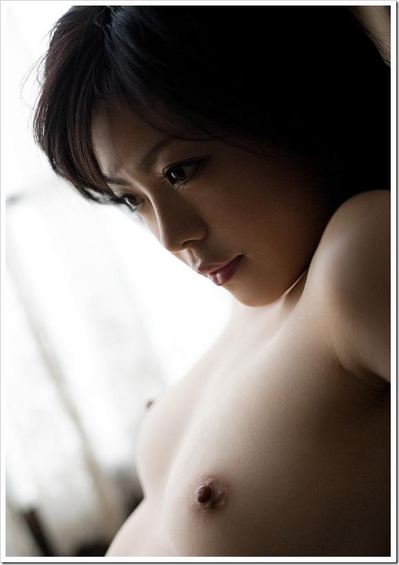 【有希ちな(AV女優)】お風呂場で全裸おっぱいを