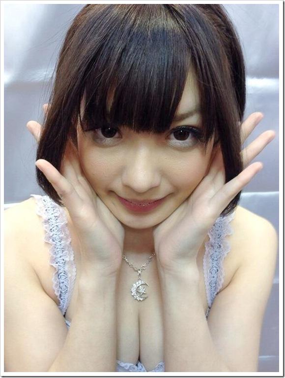 【成海うるみ(元ウルルン美少女)】お宝笑顔で美乳おっぱい