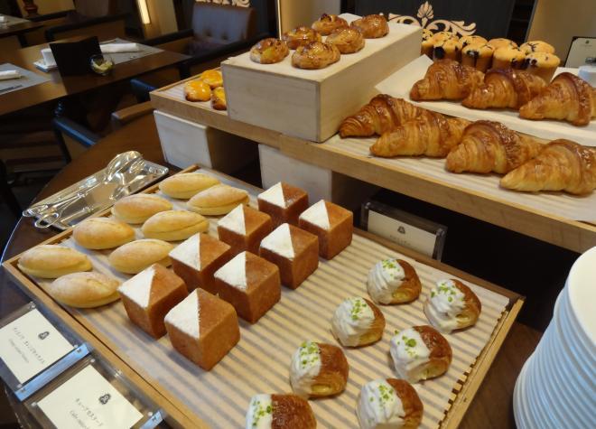 セントレジスホテル大阪 - 銀翼のケーキバイキング