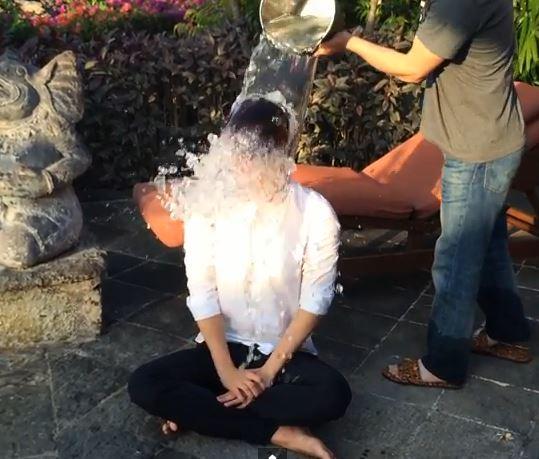 Ice Bucket Challenge2MAX