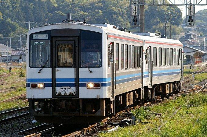 JR西日本 キハ120系 広島