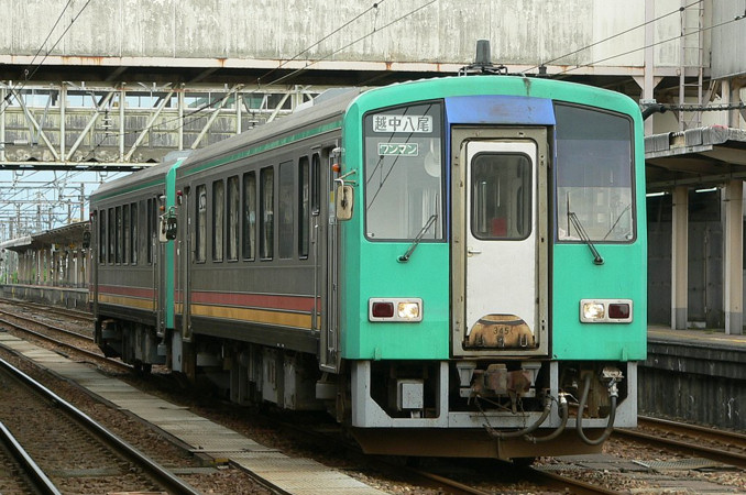 JR西日本 キハ120系 高山