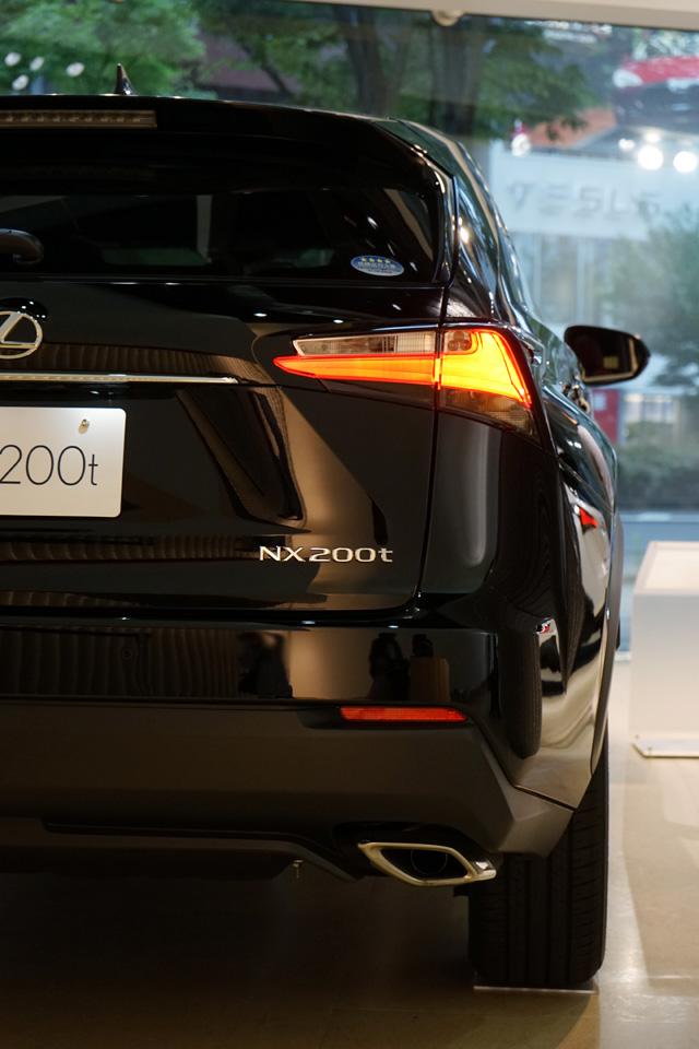 NX200t27.jpg