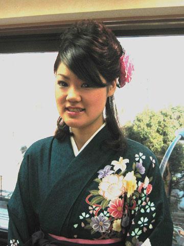 まだ間に合う、袴の着付けとヘア&メイク、メンズのお客様もお待ちしています。火曜日も大丈夫