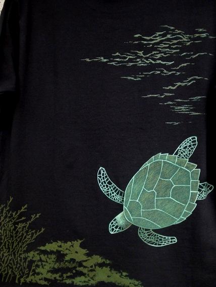 手描きTシャツ ウミガメ