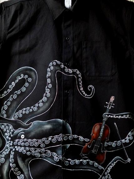 タコとヴァイオリンシャツ