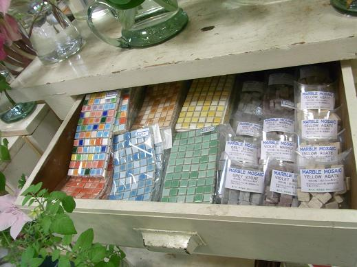 モザイクタイル材料 入荷しました!!  札幌