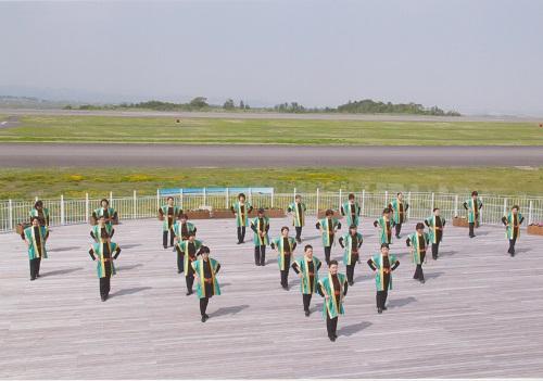 airportladies-2.jpg