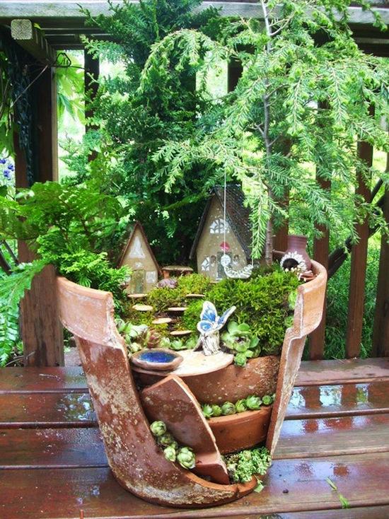 broken-pot-fairy-garden-07.jpg