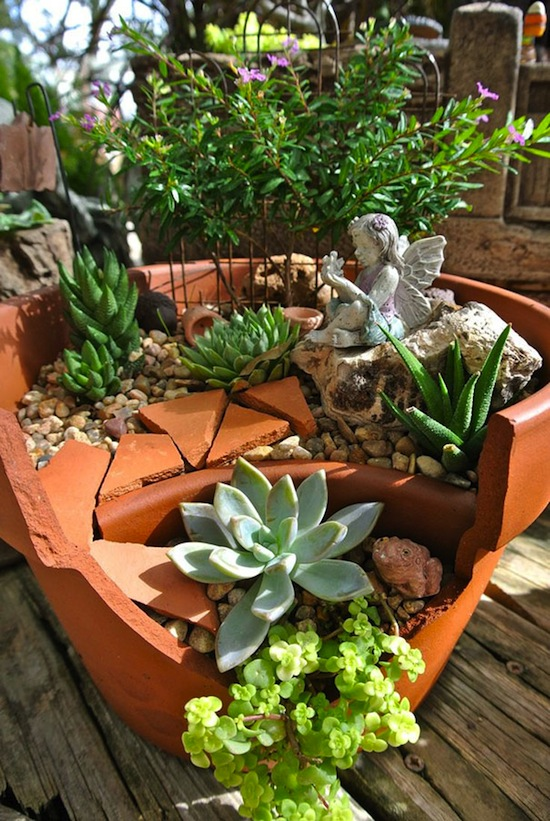 broken-pot-fairy-garden-17.jpg