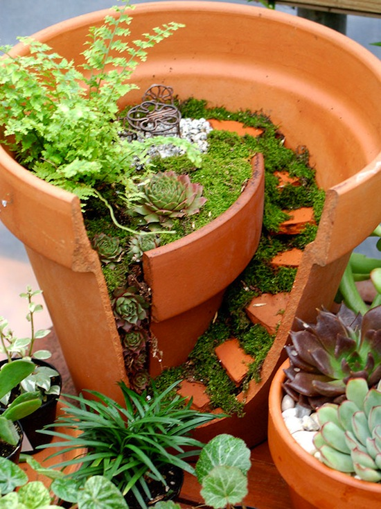 broken-pot-fairy-garden-21.jpg