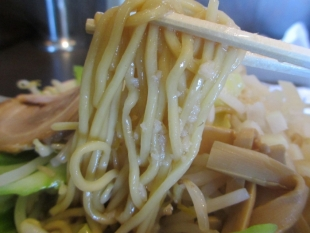 せいめんや食堂水原 背油野菜ラーメン 麺
