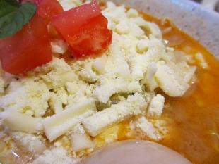 めんやちから チーズ味噌ラーメン 具 (2)