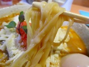 めんやちから チーズ味噌ラーメン 麺