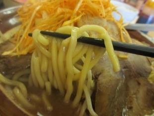 とうよこ紫竹山 辛葱チャーシュー 麺