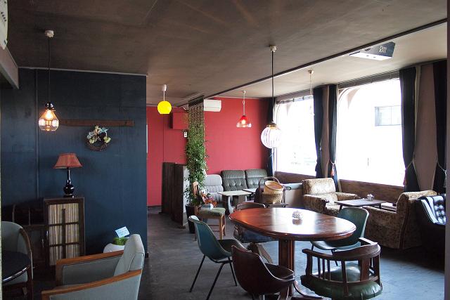 MOND CAFE006