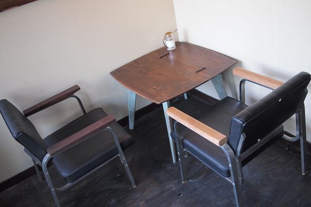 MOND CAFE022