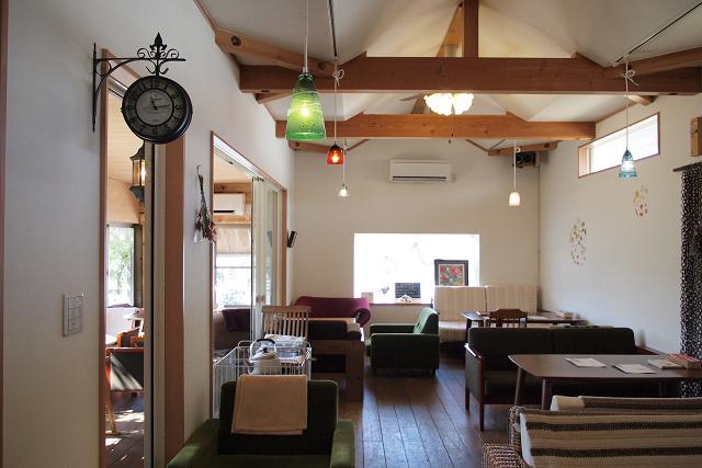 c-base-cafe009.jpg